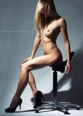 William Aponno -model Dafne -Take a seat